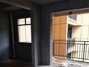 新公安局单位毛胚房4室2厅2卫出售支持贷款