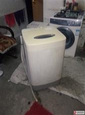 出售二手海尔小神童全自动洗机.