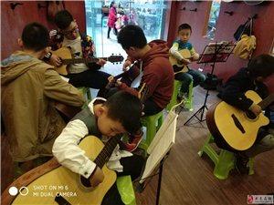 声完乐器培训中心(声玩琴行大足分店)常年招生、
