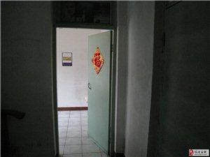 平阳南街314地质队小区2室1厅1卫350元/月