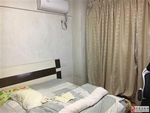 龙兴大厦3室2厅1卫2000元/月