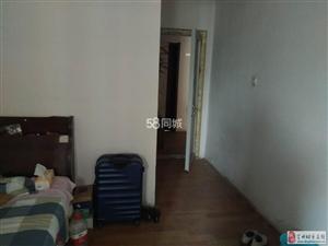 风景城3室2厅2卫700元/月