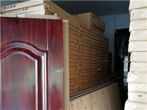 长阳清江高中旁有大量钢木门优价出售