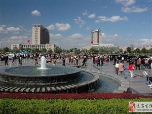 人民广场对面门市带租出售一万九每平