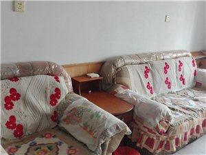 中百附近2室1厅80平精装带家具空调