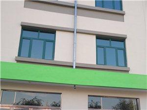 巨龙物流港有数套门店出租180平米第一年免租金
