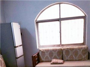 二楼荣立公寓3室2厅1卫1600元/月