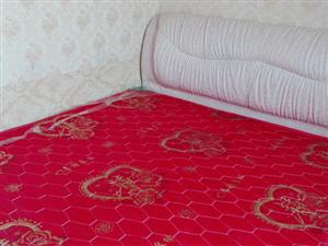 四海馨城公寓3楼 1室1卫25平 精装 带家具家电