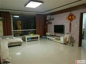 东方华苑3室2厅2卫