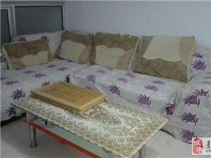 泰华城附近  2室1厅80平 精装阁楼 带家具空调