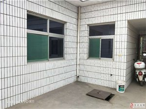 公路段宿舍4室2厅2卫55万元