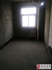 镜湖花园3室2厅2卫72万元