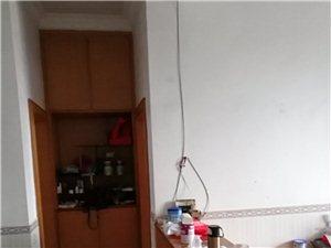糧食局宿舍3室2廳1衛45萬元