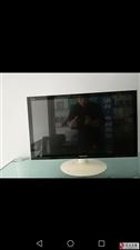 出售四核品牌机电脑27寸22寸显示器成色新