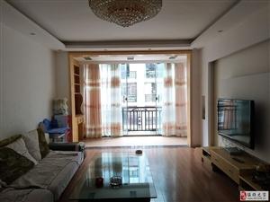龙腾锦城3室2厅2卫1600元/月
