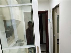 绿洲香岛单身公寓全新精装家电全1000元一个月