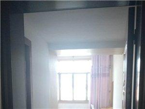 3室2厅2卫300元/月(主卧出租)