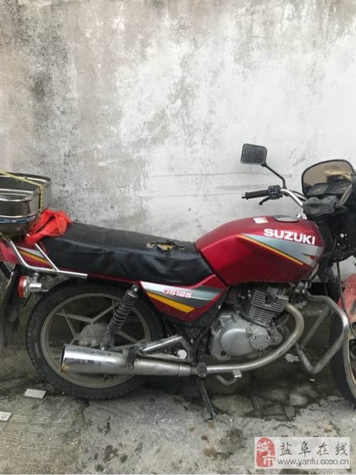 二手摩托車出售,誰要300塊錢拿走