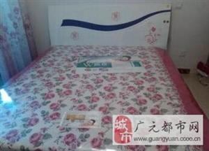【广元】转让实木大床1.8米x2米送新床垫