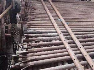 八成新钢顶柱,架管,步步紧