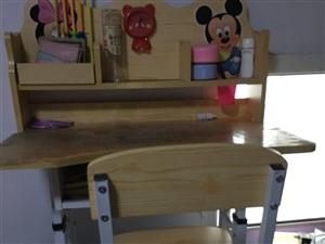 出售九成新儿童学习桌,铁力市区交易