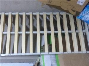 出售1.8米*2米床,带床头