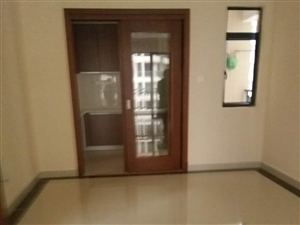 雅拉湖畔3室2厅2卫103万元