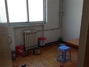 东滩路八中学区房峄化小区3楼80平月租650元