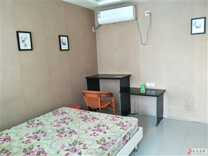 公寓单间、空调、热水器、床、衣柜半年可租
