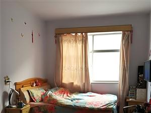 东关学区房精装2楼两室两厅一卫带两个小房急售35万