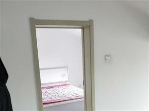 出租两室一厅9000一年包取暖拎包入住