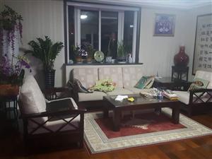 华泰家园精装大户型,带车库带小房,15年新式装修