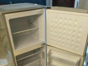 因搬家急售9.5成新冰箱一台,450元