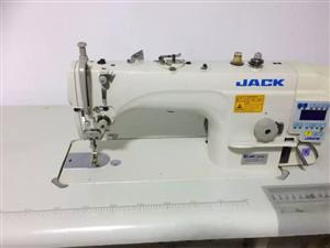 九成新捷克电脑缝纫机出售