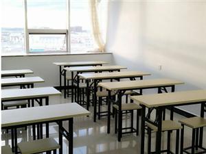 出售培训双人课桌九成新