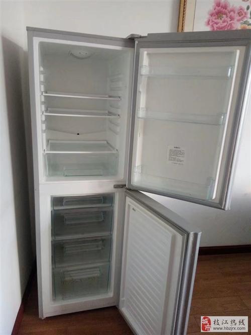 二手松下冰箱、1.5匹美的空调付款自取货
