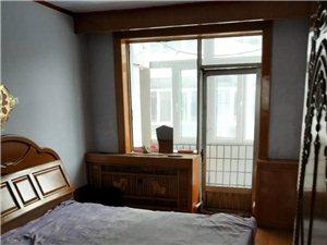 出租4楼90平两室一厅暖气楼