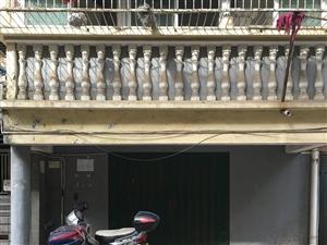 滨江园小区急售车库带储藏室(可改为住房)