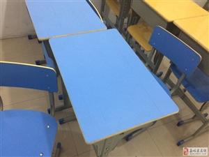 18套学生桌椅,单人单桌9成新,适合辅导班使用