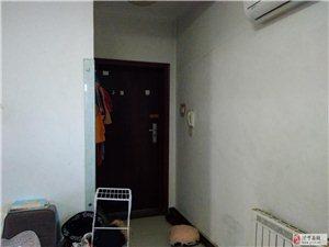 阳光花园高层带电梯2室2厅1卫60万元精装免税