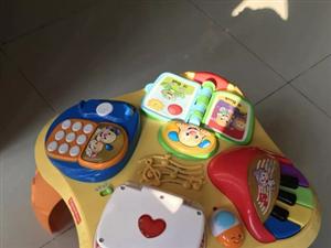 出售九成新儿童学习桌