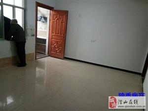 2室2厅1卫600元/月