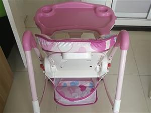 本人给宝宝买了,宝宝没有怎么用,基本全新,箱子都在。随时可以看货,现低价处理。爱音儿童餐椅宝宝餐椅多...