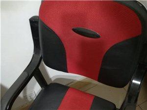 六套办公桌椅子,高低床低价转让