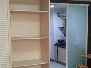 金顺凤凰城精装修1室1厅1卫设施齐全1200元/月