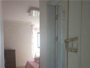 麒麟阁130平带向阳车库证出两年大三居客厅向阳