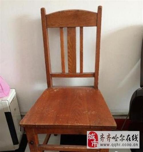 老式椅子两个200元