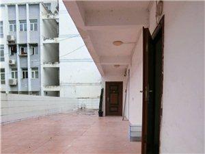 步行街时代大厦三楼两套房子出租