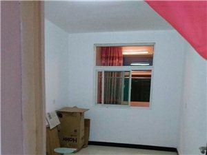 雍康西区四楼三室房出售