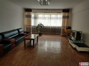 紫轩一期4室2厅1卫一楼精装2000元/月